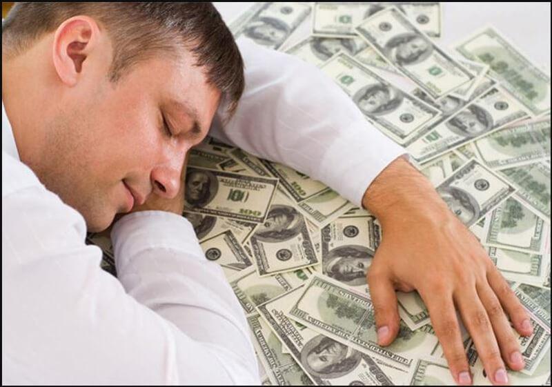 Nằm ngủ trong giấc mơ có tiền thì nên đánh con gì? Ý nghĩa của giấc mơ đó.