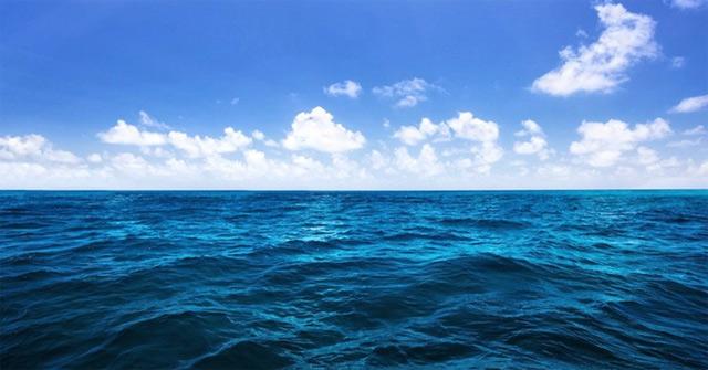 Mơ thấy nước biển đánh con gì? Giải mã giấc mơ