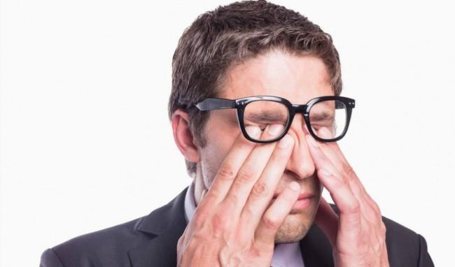 Mắt phải giật hay nháy mắt phải nam điềm gì ?